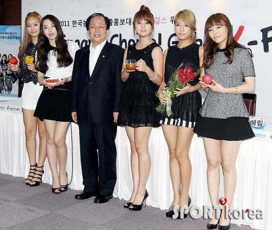 تعيين wonder girls كسفراء فخرين لـ 2011 Korean Food' campaign .!! 20110906_wondergirls_6