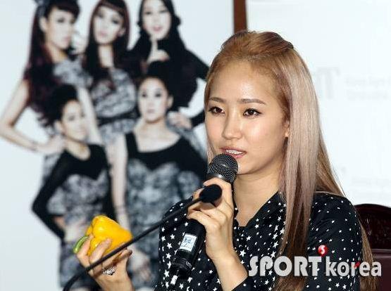 تعيين wonder girls كسفراء فخرين لـ 2011 Korean Food' campaign .!! Gthyjulo
