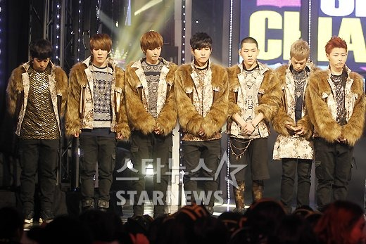 Block B يقومون بغناء أغنية المقدمة لدراما Phantom .!!! 2012060420272683301_1